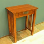 3014-24 Red Oak Mission Hall Table No Shelf - Early Stain