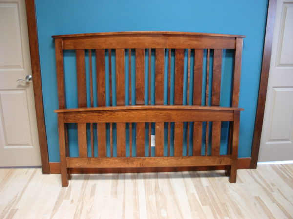 Maple Custom Queen Bed - Ispwich Pine Stain