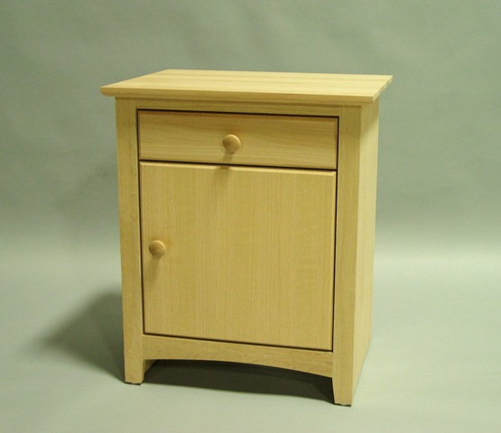 Maple Shaker 1 drawer nightstand with door Right hinge - Unfinished 31201-DR